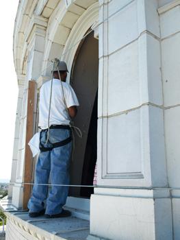 CSC Armonda removing rotunda window